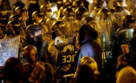 Ciocniri violente în Philadelphia, după ce un afro-american a fost împușcat mortal de poliție - 6