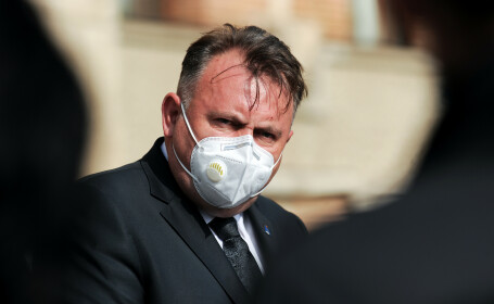 """Nelu Tătaru: """"O pandemie durează un an şi jumătate-doi şi are trei-patru valuri"""""""