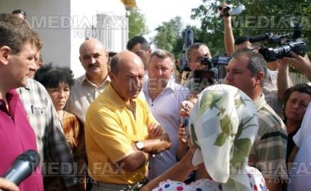 Basescu s-a tinut de cuvant: i-a reparat casa sinistratei din Saucesti