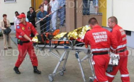 Femeia a fost transportata la spital