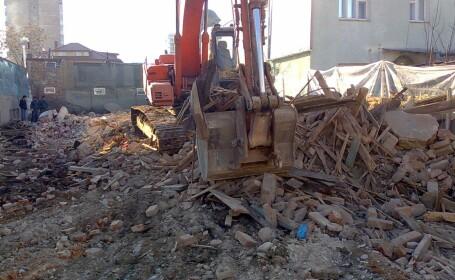 Progresul cere sacrificii: primarie demolata pentru a face loc autostrazii
