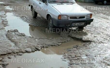 Gropile din asfalt, cauza principala a accidentelor de masini
