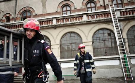 cutremur, pompieri, scara