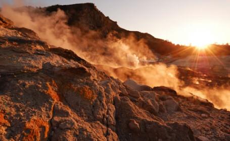 Cel putin 25 de morti, dupa eruptia vulcanului Merapi