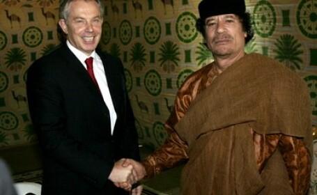 Premierul britanic Tony Blair si Muammar Ghaddafi in 2007
