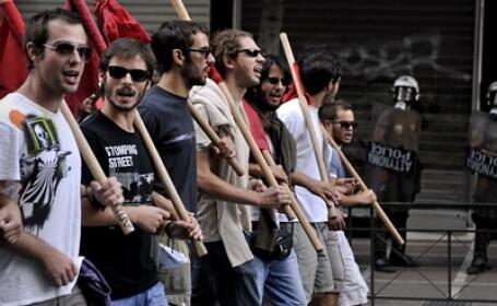 Criza in Grecia. Studentii au intrerupt jurnalul de stiri al postului public de televiziune