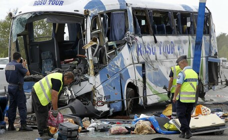 Romanii raniti in accidentul din Franta sunt in stare stabila. Cum s-au mobilizat autoritatile