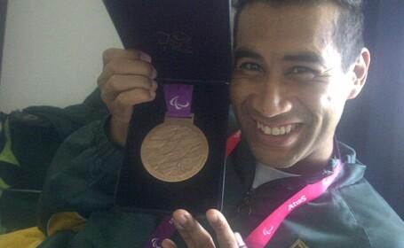 Achmat Hassiem cu medalia de bronz