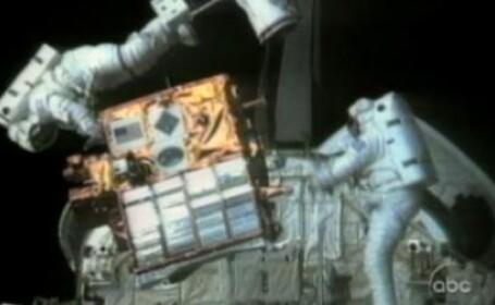 astronauti repara Statia Spatiala Internationala