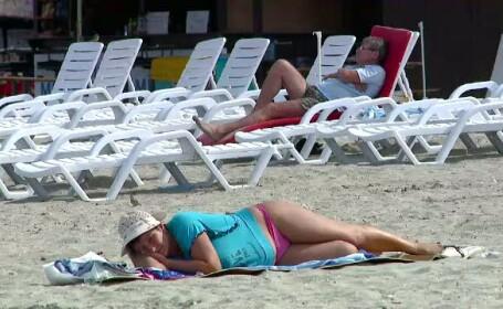 Pe litoral miroase a toamna. Zeci de mii de turisti au ramas dezamagiti de vreme si temperatura apei