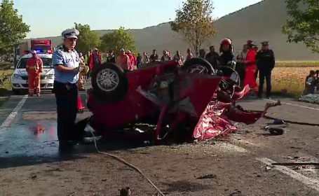 O mama si-a dus familia sub rotile unui Q7 in Mures. Cinci persoane au murit, inclusiv 2 copii