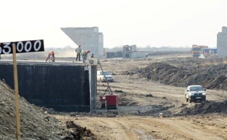 Romania asista la o premiera: o bucata de autostrada va fi gata inainte de termen. VIDEO