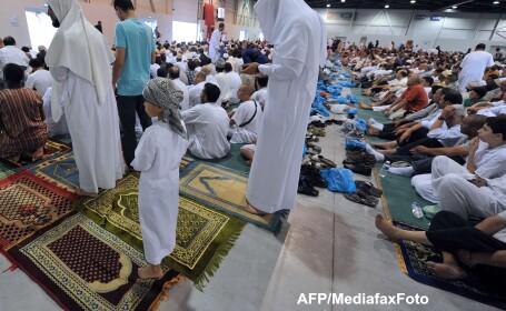 Franta inchide vineri ambasadele, consulatele si scolile franceze din 20 de tari musulmane