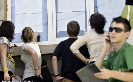 Doi elevi au venit cu pistol la scoala in anul 2012-2013. Numarul violentelor este in crestere