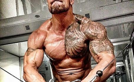 The Rock are simtul OMORULUI! :) Cum i-a amenintat pe cei care merg la aceeasi sala ca si el: