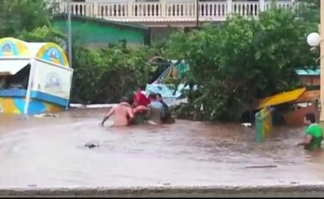 Inundatii devastatoare in sud-estul Italiei. In trei zile a plouat cat intr-un an intreg