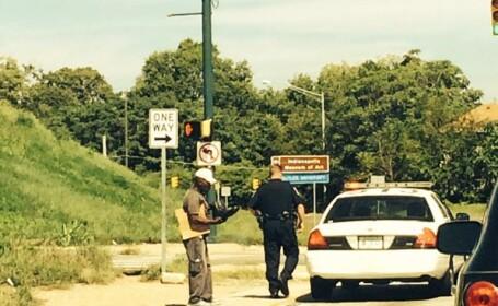 Se dadea drept politist rutier si oprea soferi in trafic. Pe cine a avut \