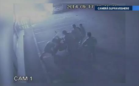 Piroman prins in Bucuresti. Barbatul a incendiat o cladire de birouri, o terasa si doua masini