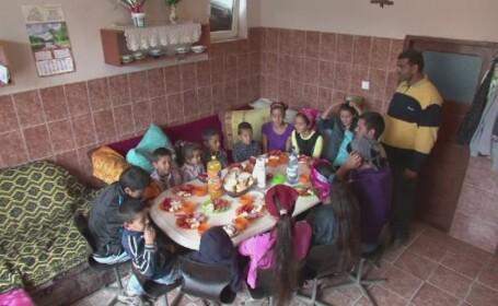 Povestea parintilor care cresc 16 copii, intr-o Romanie in care natalitatea s-a prabusit. Mama are numai 34 de ani
