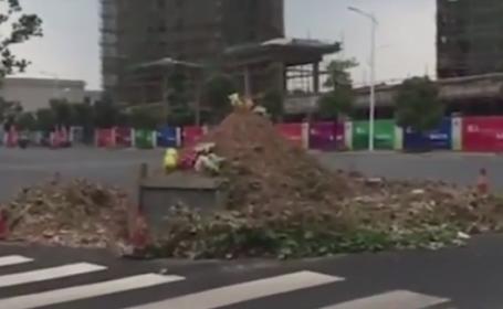 Strada construita in jurul unui mormant, atractie turistica in China. Cine este persoana ingropata acolo. VIDEO