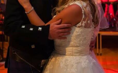 O durere de masea era sa ii strice nunta. Cum a ajuns mireasa la stomatolog. FOTO
