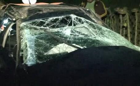Un politist de frontiera a avut o moarte violenta, dupa ce s-a rasturnat cu masina. Se grabea la o intalnire cu iubita sa