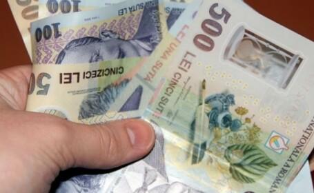 Un plic cu banii de pensie, gasit de o femeie la Iasi si returnat persoanei care l-a pierdut. Cati bani se aflau inauntru