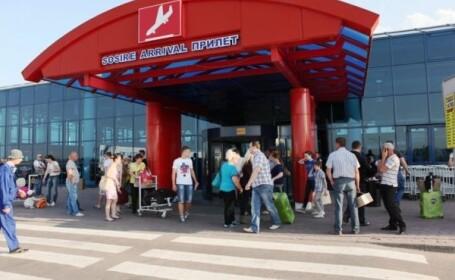 Un tanar din Moldova a amenintat ca se arunca in aer in aeroport. Care au fost revendicarile sale