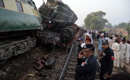Peste 100 de raniti si cel putin 6 morti, in urma coliziunii dintre doua trenuri in Pakistan. Cum s-a produs accidentul