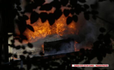 Pasiune incendiara, la propriu, in Campulung. Un bloc a fost evacuat de pompieri din cauza unui locatar prea romantic