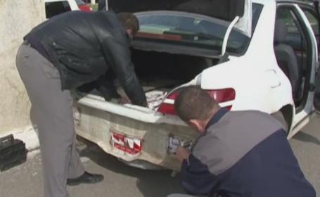 Politist de frontiera din Maramures, prins de colegi cu tigari de contrabanda in portbagaj. Ce decizie a luat agentul