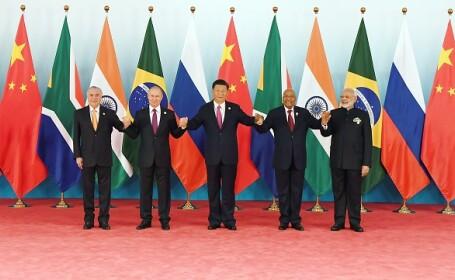 Liderii BRICS s-au ținut de mână la Summit