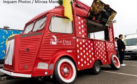 Parada food truck-urilor, furgonetei in care se prepara si se vinde mancare