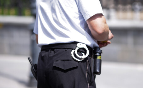 Cinci români arestaţi pentru furturi de aparate electronice în Belgia. Prejudiciul este uriaș