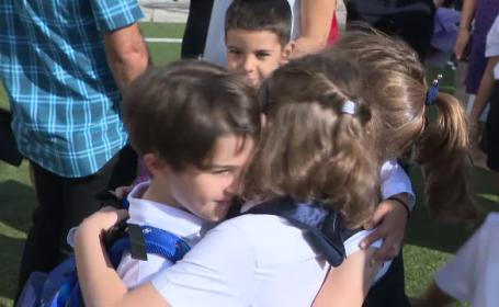 Noul an școlar început cu zâmbete și emoții de 2,5 milioane de elevi