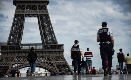 Turnul Eiffel: Autorităţile încep construcţia unui perete de sticlă, rezistent la gloanţe, în jurul său