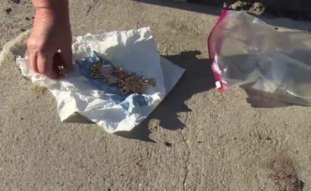 Două femei lăsate fără bijuterii prin metoda \