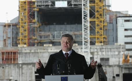 Poroșenko a promulgat Legea care restricționează predarea în limba română
