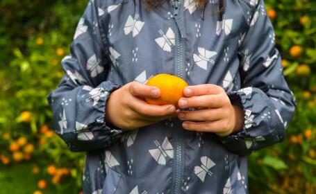 O fetiță de 12 ani a murit după ce a mâncat o mandarină