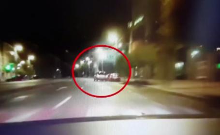 Un șofer din Târgu Mureș a lovit 10 mașini parcate. Imaginile filmate de o cameră de bord