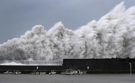 Cel puţin 6 morţi în Japonia, din cauza unui taifun uriaş. Un milion de oameni, evacuaţi