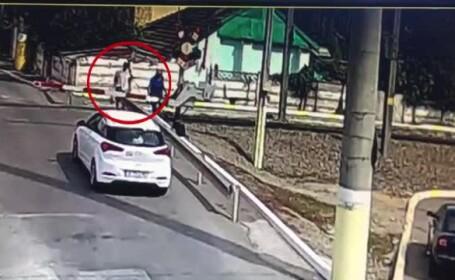 Un bătrân care venea de la cumpărături a murit după ce a încercat să traverseze chiar prin faţa trenului