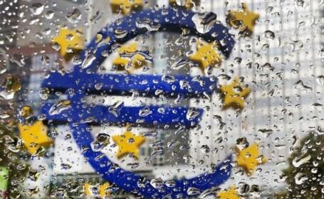 """Băncile """"din umbră"""" vor genera următoarea criză. Omenirea, mai îndatorată ca acum 10 ani"""