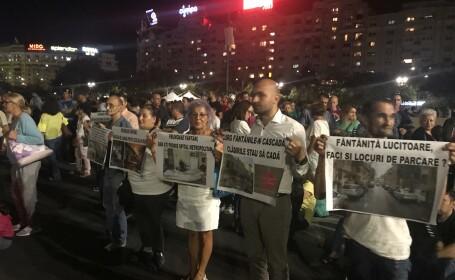 Protest la show-ul de la fântânile din Piaţa Unirii