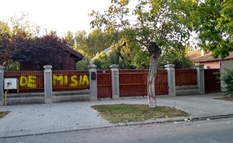 gard vandalizat dragnea