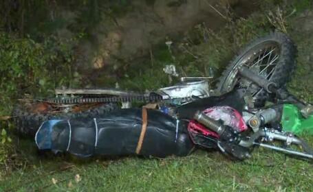 Un tânăr proaspăt căsătorit a murit după ce a plecat cu motocicleta, fără să-şi pună cască