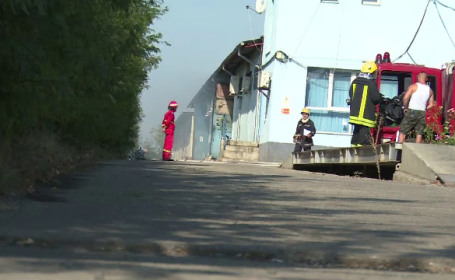 Incendiu violent la un depozit cu substanțe chimice din Dâmboviţa. Mesajul transmis de RO-ALERT