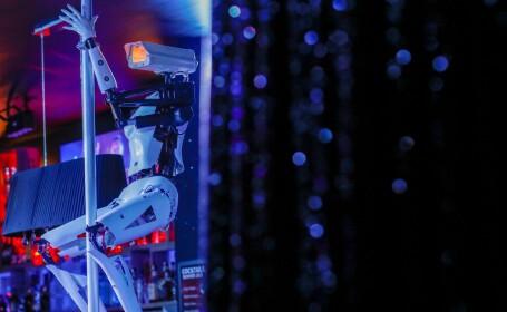 roboti striptease