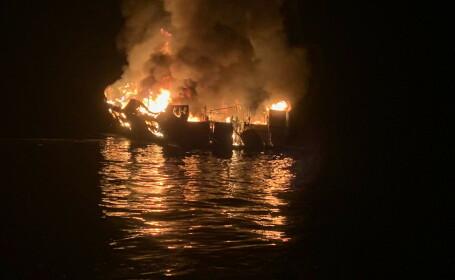 Incendiu teribil pe un vapor, în California. 25 de oameni, rămași blocați, au ars de vii