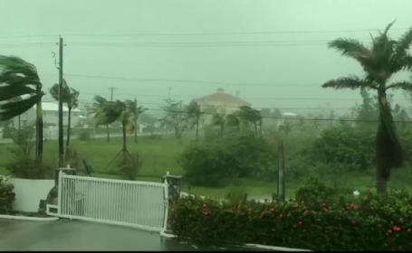 Drama oamenilor blocați în case din cauza Uraganului Dorian. Distrugerile provocate
